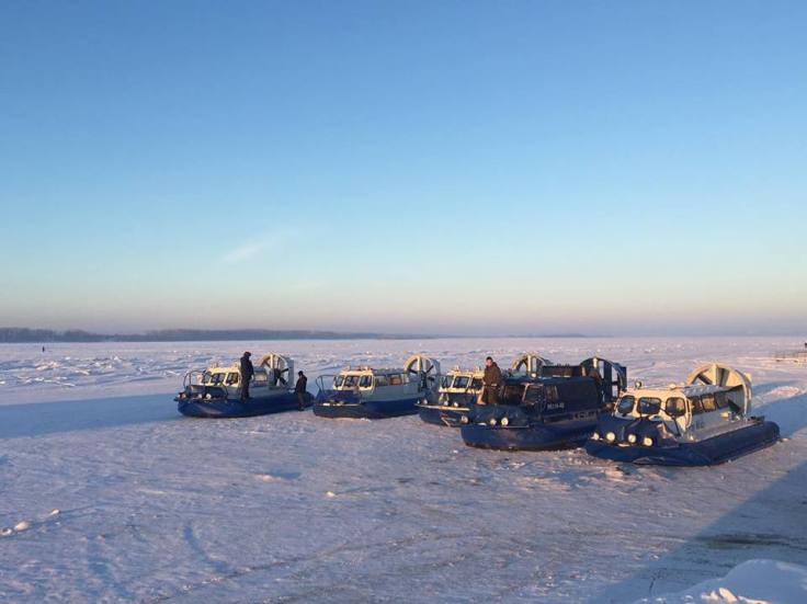 airboats-on-frozen-volga
